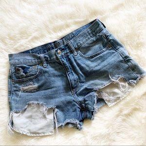 3/$20 AEO • vintage hi rise festival jean shorts